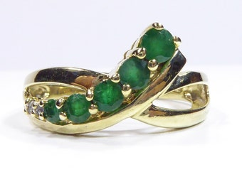 Vintage 10k yellow gold ring with Emerald and Diamond, size7