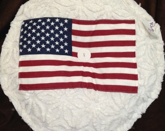 "Large ""Roundie"" with Flag"