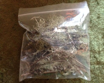 Pacific Northwest Hand-Harvested Moss, lichen, wood, bark, or twigs.