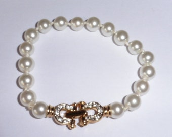 Nice Faux Pearl and Rhinestone bracelet