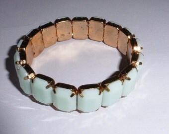 Small Agua coloured bracelet