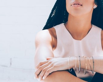 Stackable bangle bracelet / / minimalist jewelry