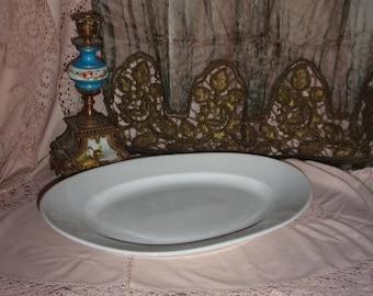 A big old dish of service time 19 eme big white porcelain. French porcelain