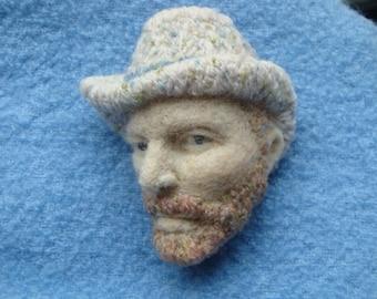Felt,Needle felting,van gogh ,brooch ,the portrait of van gogh,white hat,wool.embroidery,