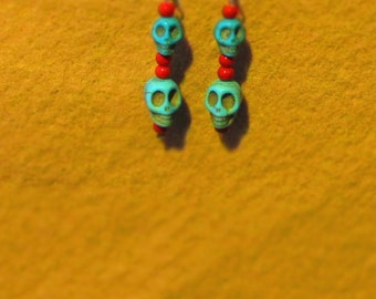 Handmade, vintage style earrings / Turquoise jasper Skulls and pony beads