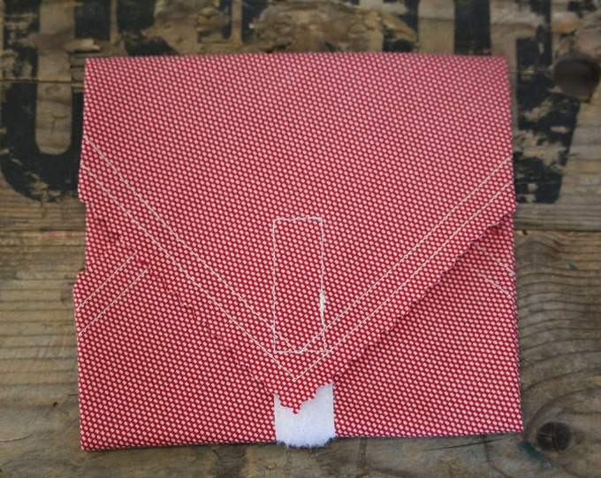 Beeswax Food Wrap - Sandwich Wrap - gingham red