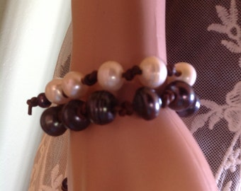 Large Black Freshwater pearl and leather knotted bracelet