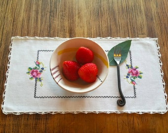 Placemats. Set of 4