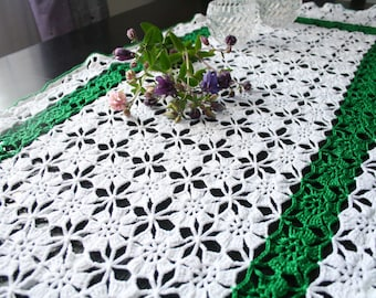 Clover Green - Table Runner