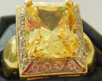 Ring gold 18 CT, yellow Sapphire (synth) 3.26 cts