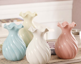 Flower Vases of Primary Color Natural and Beautiful Thread Design Elegant Home and Wedding Decoration Flower Vases Ceramic