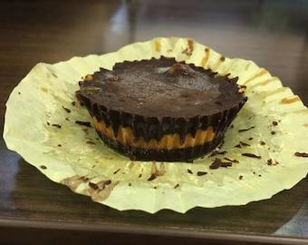 Chocolate pumpkin cups, dark chcolate cups, healthy dessert options, vegan pumpkin cups