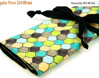 Sale 25% OFF Large Knitting Needle Case - Honeycomb Retro - 30 black pockets for circular, straight, dpn,