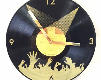 Recycled Record Turntable arm clock