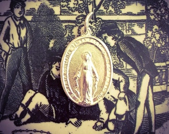 VINTAGE MIRACULOUS MEDAL Silver Plate Virgin Mary Italy