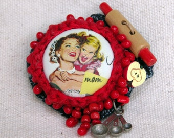 Mothers' Day Brooch - Mom's Apple Pie