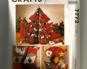 McCall's Christmas Decoration Pattern