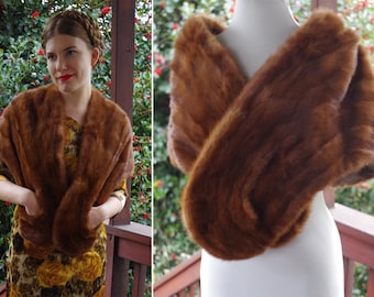 MINK 1940's 50's Beautiful Vintage Brown Genuine Fur Capelet Wrap with Pockets // by WHITE'S Furs Toronto Canada
