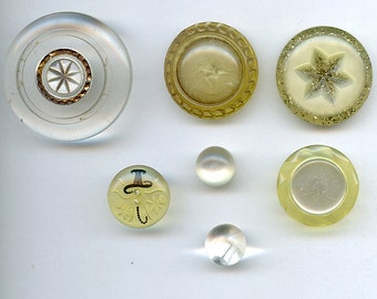 1940s CLEAR Plastic Buttons Lot of (7) Large Flowers Basket Shell Lucite 2302