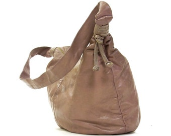 80s Leather Hobo Bag / Vintage 1980s Pale Lavender Genuine Leather Purse with Shoulder Strap / Soft Slouchy Buttery Leather / Zipper Closure