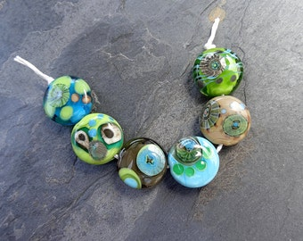 Mod Dot Minis - SRA handmade glass lampwork beads Lori&Kim