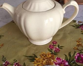 J&G Meakin England Jacobean creamware teapot RD17418 c1912