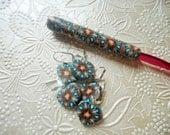 Crochet Hook, Kaleidoscope Design, Bates, Size I with Matching Stitch Markers