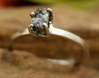 Silver ring rough diamond in prongs setting with high polished band