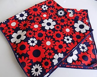 Vintage Flower Cotton Napkins Fabric Scrap Repurpose Daisy Red White and Blue