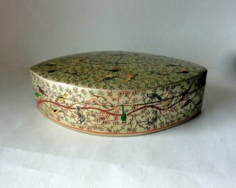 "Vintage 8 1/8"" Oval Petal Kashmir Paper Mache Lacquered Trinket Box Exotic Birds & Blooms HandMade Painted Large Gift Treasure Valet Dresser"