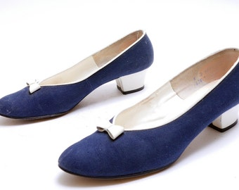 Vintage 1960s Navy Canvas Slip On Pumps // Low Heel // White Leather Bow // 8 B