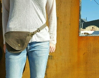 Belt Bag in Earthy Olive Waxed Cotton : Fanny Pack, Hip Bag, Duck Canvas Bag, Festival Bag, Rustic, Hands Free Bag, Waxed Canvas, Boho