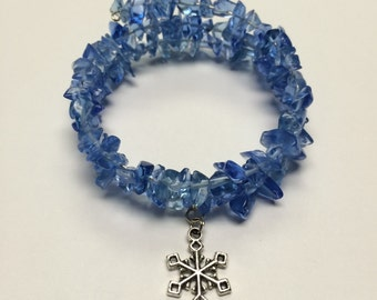 Snowflake and blue glass chip bead memory wire bracelet