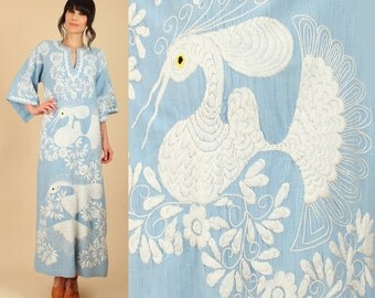 ViNtAgE 70's Mexican Embroidered Maxi Dress // White BIRDS Blue FLORAL Artisan HiPPiE BoHo // Blue Chambray Angel Wing Sleeve S M L