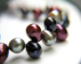 Red Pearl Bracelet . Simple Pearl Bracelet . Burgundy Bracelet . Multi Color Bracelet . Navy Blue Pearl Bracelet - Mia Collection