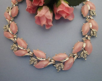 Vintage Rhinestone and Lucite Necklace silver and pink