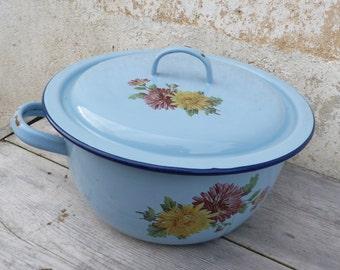 Vintage Antique 1900 old French  enameled tureen/ Soupiere /pan pot/soup pot/granitware enamelware
