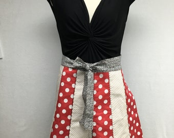Reversible Scallop Edge Half Apron