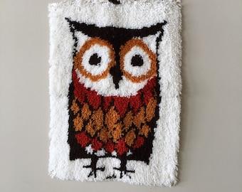 70s owl rug latch hook rug large wall hanging floor decor door mat brown orange cream carpet collectible