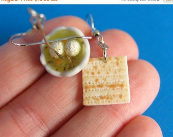 Christmas in July - Matzah and Matzo ball Soup earrings - Jewish Food -Food earrings - food jewelry - matzah - matzo - Seder - Passover - fo