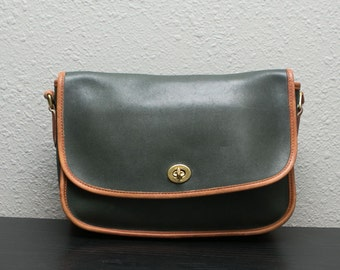 Vintage Coach Forest Green With British Tan Piping Cross City Flap Bag Cross Body Leather Bag 9790
