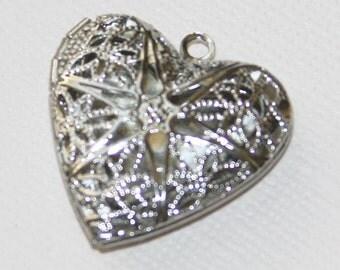 20 pcs of Silver plated filigree heart Locket Pendant 25x24x6mm