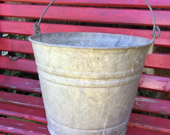 Wonderful Old Well Loved Antique Galvanized Country Farmhouse Bucket