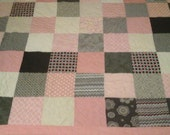 Queen size pink and gray quilt