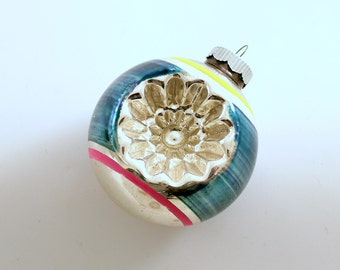 Vintage Christmas Ornament Glass Ornament Shiny Brite Mid Century Indents