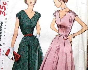 Vintage Womens Dress Pattern With Button Detail At The Shoulders Womens Size Pattern circa 1950s Simplicity 3900 Sz 42