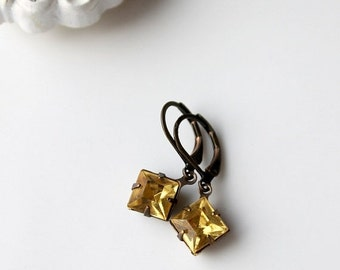 On SALE / CIJ Sale / Yellow Vintage Glass Earrings, Light Yellow, Estate Style, Hollywood,  Petite Diamond