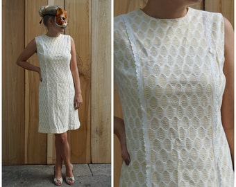 Vintage 60s/70s Lemon Yellow Waffle Print Shift Dress with Scallop Lace by Holly Hill | Medium