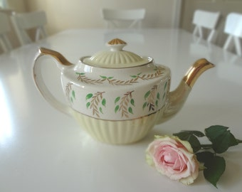 Gorgeous Teapot Vintage Gibsons Art Deco Yellow White Gold from England -  EnglishPreserves