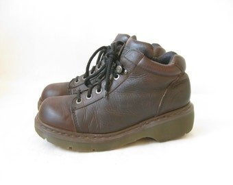 Vintage DOC MARTEN Made in England Lace Up Chunky Boots. Size 8 UK// Size 9 1/2 Women's U.S.